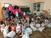 Campanha de Natal da OAB Brusque presenteia crianças e adultos de escola e entidades do município