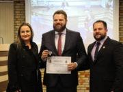 OAB Brusque é agraciada com Comenda do Mérito Institucional