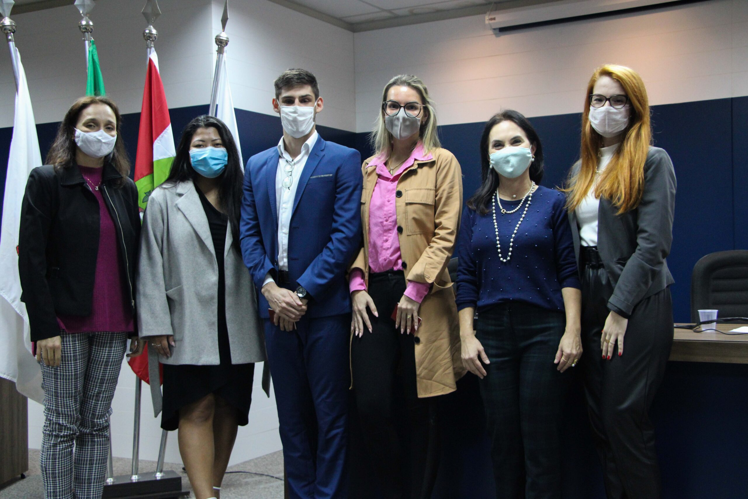 OAB Subseção de Brusque faz entrega de Credenciais a novas Advogadas e Advogado